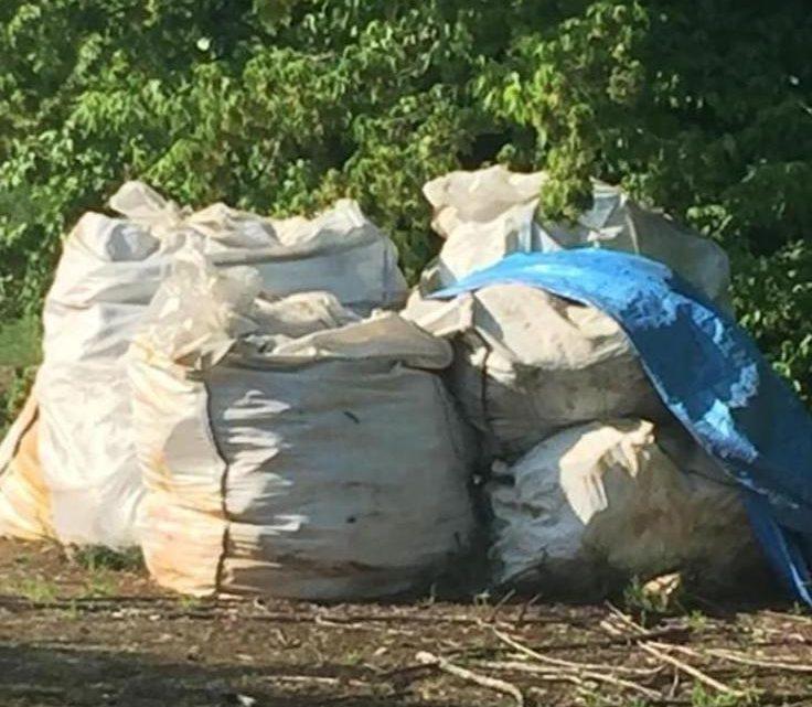 Melegnano, rifiuti di via Campania non ancora rimossi