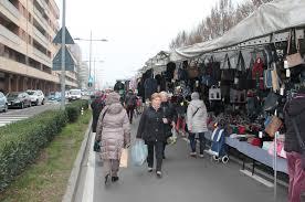 San Donato, ambulanti sul piede di guerra per le promesse non mantenute