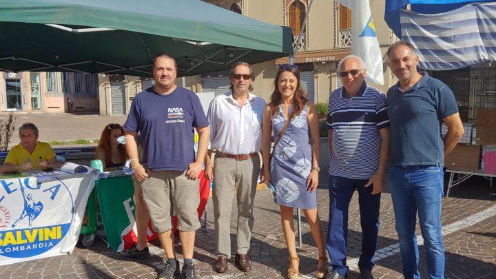 Melegnano, Lega e Forza Italia in piazza per il referendum