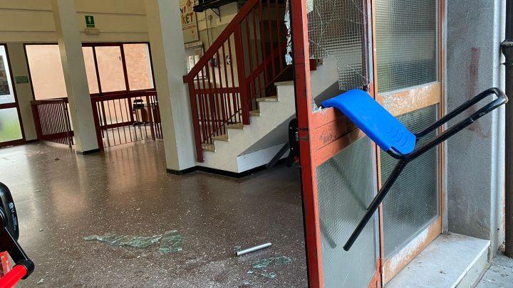 """Melegnano, incursione di vandali nella scuola """"Frisi-Calvino"""""""